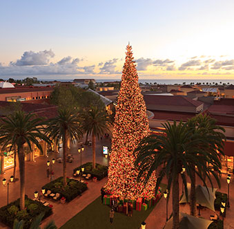 Newport Beach is Lighting up the Holiday Season