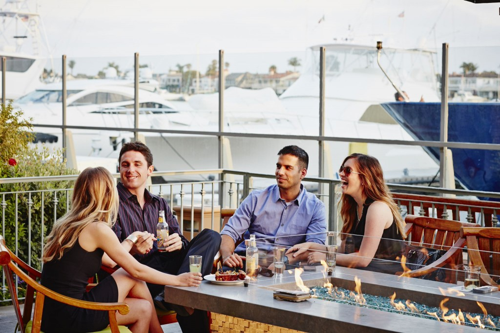 waterfront-dining-drinks-newport