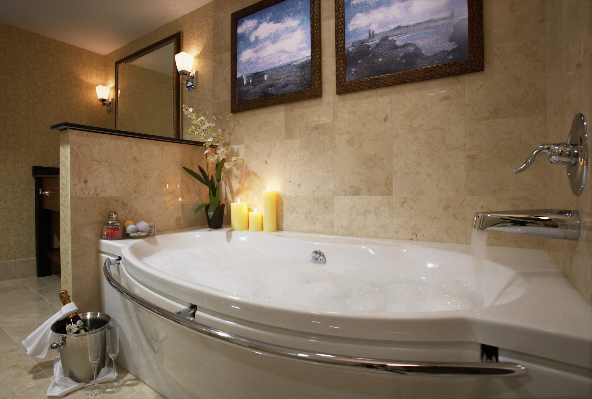 oversized private bathtubs | Sweet Suites | Visit Newport Beach