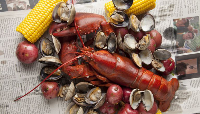 The Maine Event | Lobster Clambake at Bluewater Grill
