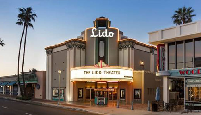 Lido Theater Celebrates the Season with Holiday Classic