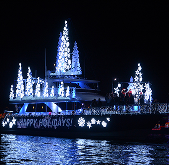 Dine & Watch the NB Christmas Boat Parade