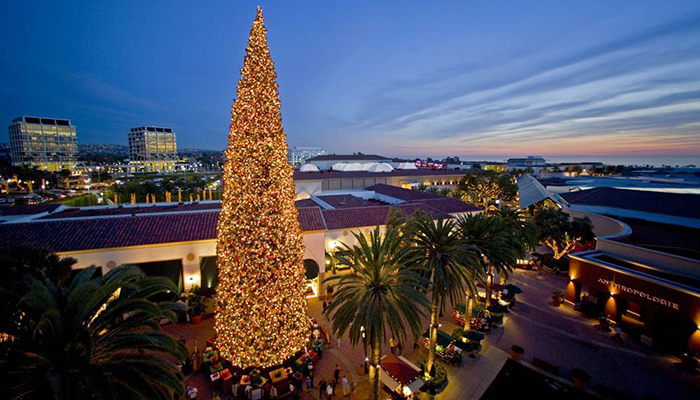 Fashion Island's Annual Holiday Tree