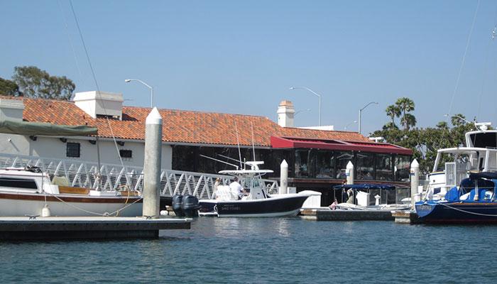 Dock & Dine in Newport Harbor