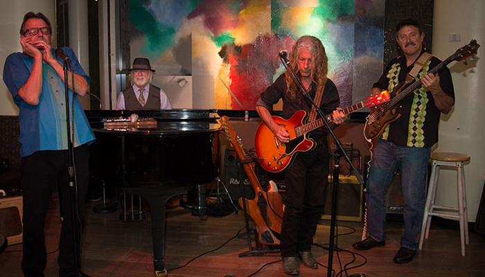Live Entertainment with Tracy and the Bluesmakers