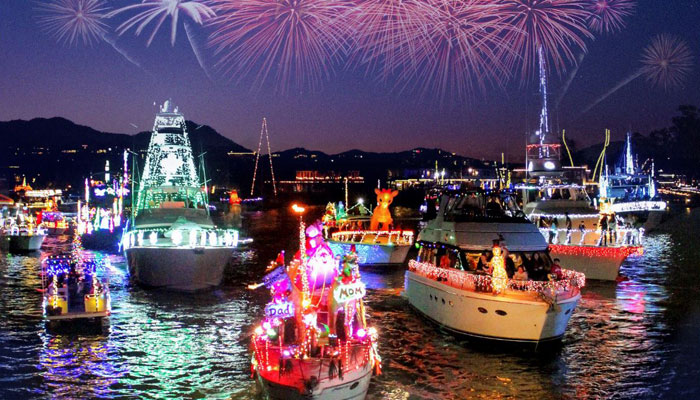Boat Parade Dining at Waterline