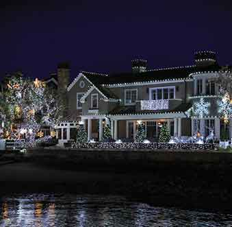Ways to See Newport Beach's Best Lights